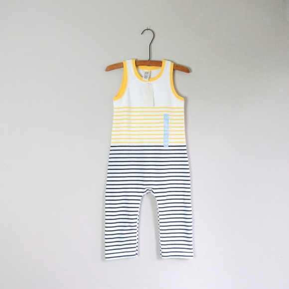 New Boys Baby Gap Striped One Piece Shorts Romper 12-18 Months